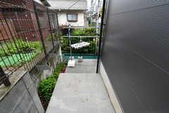 洗濯物干し場は階段の下にあります。(2017-06-28,共用部,OTHER,1F)