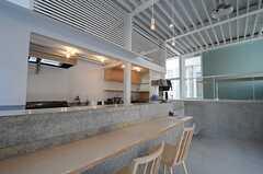 店舗の様子2。天井が高くて開放的です。(2014-03-25,共用部,OTHER,1F)