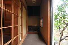 縁側の様子。(104号室)(2014-03-14,専有部,ROOM,1F)