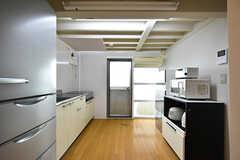 キッチンはとても広々しています。(2016-09-30,共用部,KITCHEN,1F)