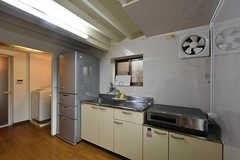 キッチンの様子2。(2016-09-30,共用部,KITCHEN,1F)