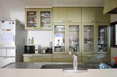 キッチン収納棚の様子。(2011-10-28,共用部,KITCHEN,1F)
