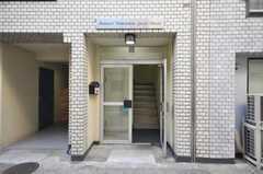 シェアハウスの正面玄関。(2009-02-19,周辺環境,ENTRANCE,1F)