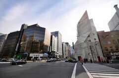 東京メトロ銀座線虎ノ門駅からシェアハウスへ向かう道の様子。(2009-02-19,共用部,ENVIRONMENT,1F)