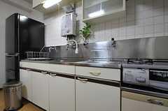 キッチンの様子2。(2012-11-22,共用部,KITCHEN,3F)