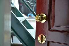 内部から見た専有部の鍵の様子。(103号室)(2012-09-13,専有部,ROOM,1F)