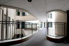 マンションの踊り場の様子。(2010-09-21,共用部,OTHER,2F)
