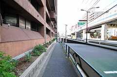 東京メトロ南北線・六本木一丁目駅からシェアハウスへ向かう道の様子2。(2012-07-30,共用部,ENVIRONMENT,1F)