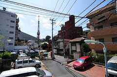 東京メトロ南北線・六本木一丁目駅からシェアハウスへ向かう道の様子4。(2012-07-30,共用部,ENVIRONMENT,1F)