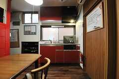 キッチンの様子。(2013-12-11,共用部,KITCHEN,1F)