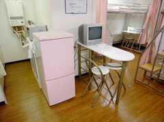 204号室の食事テーブル(2階)(2007-07-19,共用部,LIVINGROOM,2F)