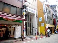 都営大江戸線大門駅の様子。(2007-07-19,共用部,ENVIRONMENT,1F)