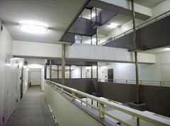 マンションの廊下の様子。ズバリ高級。(2007-09-04,共用部,OTHER,4F)