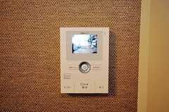 カメラ付きインターホンの受信機の様子。(2010-12-22,共用部,OTHER,2F)