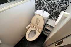 ウォシュレット付きトイレの様子。(2010-12-22,共用部,TOILET,1F)