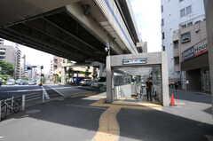 各線・麻布十番駅の様子。(2011-07-04,共用部,ENVIRONMENT,1F)