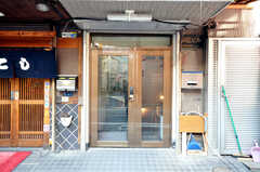シェアハウスの出入口。(2010-02-05,周辺環境,ENTRANCE,1F)