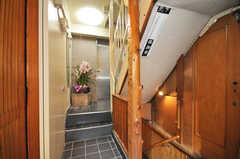 奥にエレベーターがあります。ちなみに地下は宴会場。(2010-02-05,共用部,OTHER,1F)