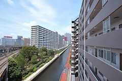 マンションのすぐそばに運河があります。(2011-07-25,共用部,OTHER,7F)