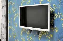 共用のTVの様子。(2013-03-05,共用部,LIVINGROOM,2F)