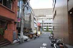 東京メトロ千代田線赤坂駅からシェアハウスへ向かう道の様子。(2010-05-27,共用部,ENVIRONMENT,2F)