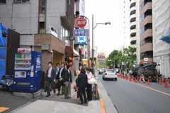 東京メトロ千代田線赤坂駅前の様子。(2010-05-27,共用部,ENVIRONMENT,2F)