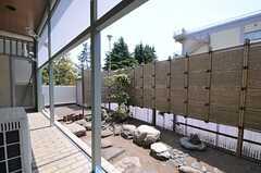 庭の様子。日本庭園風です。(2013-05-09,共用部,OTHER,1F)