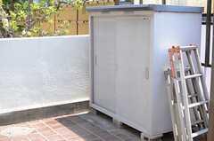 庭の脇には物置のスペースが設置されています。(2013-05-09,共用部,OTHER,1F)