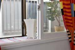 窓辺には物を飾ることができます。(101号室)(2018-12-14,専有部,ROOM,1F)