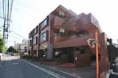 マンションの外観。1室がシェアハウスです。(2012-08-03,共用部,OUTLOOK,1F)
