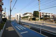 シェアハウス近くのバス停。(2011-11-24,共用部,ENVIRONMENT,1F)