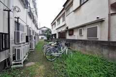 自転車置場の様子。 (2010-07-02,共用部,GARAGE,1F)