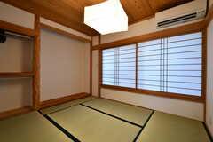 専有部の様子。唯一の畳部屋です。(102号室)リノベーション前。(2017-07-24,専有部,ROOM,1F)