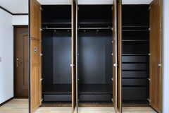 クローゼットの様子。(205号室)(2017-07-24,専有部,ROOM,2F)