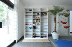 靴箱の様子。(2012-10-08,周辺環境,ENTRANCE,1F)