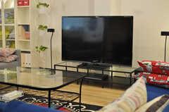 共用TVの様子。(2012-10-08,共用部,TV,1F)