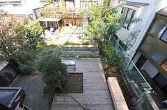 窓から見た菜園。(204号室)(2011-10-27,専有部,ROOM,2F)