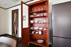 食器棚の様子。(2018-02-16,共用部,KITCHEN,2F)