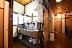 廊下にある洗面台の様子。(2017-09-15,共用部,OTHER,2F)