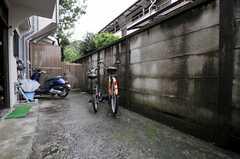 ガレージは玄関前にあります。(2011-08-22,共用部,GARAGE,1F)