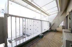 403~406号室の共用ベランダです。(403号室)(2013-03-19,専有部,ROOM,4F)