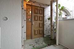 シェアハウスの玄関の様子。(2014-12-01,周辺環境,ENTRANCE,3F)