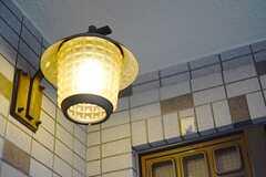 玄関の照明の様子。(2014-12-01,周辺環境,ENTRANCE,3F)
