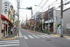 シェアハウスから西武新宿線・鷺ノ宮駅へ向かう道の様子。(2014-09-17,共用部,ENVIRONMENT,1F)