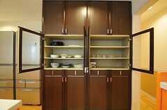 食器棚の様子。(2013-03-25,共用部,KITCHEN,1F)