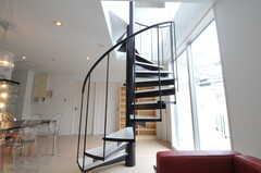 螺旋階段の様子。(2011-05-16,共用部,LIVINGROOM,2F)