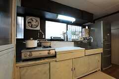 キッチンの様子。(2013-03-29,共用部,KITCHEN,1F)