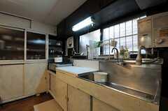 キッチンの様子2。(2013-03-29,共用部,KITCHEN,1F)