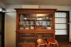 食器棚の様子。(2013-03-29,共用部,KITCHEN,1F)