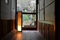 広間の奥の廊下。(2013-03-29,共用部,OTHER,1F)
